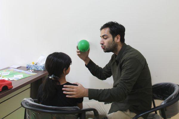گفتاردرمانی کودکان در دزاشیب